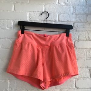Lululemon size 6 Hot Pink Mesh like Shorts EUC
